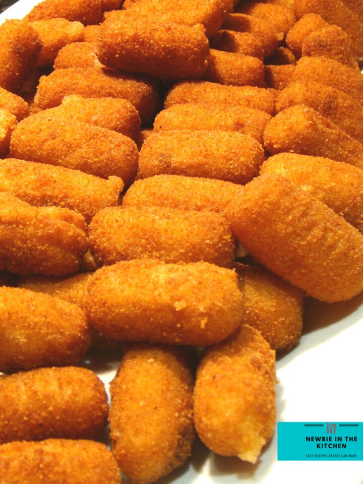 Bacon and Cheese Potato Croquettes. Thesedelicious little Potato Croquettesare filled with bacon, and cheese. Fluffy inside and crispy outside. These are perfect as a side, buffet food or for snacking.