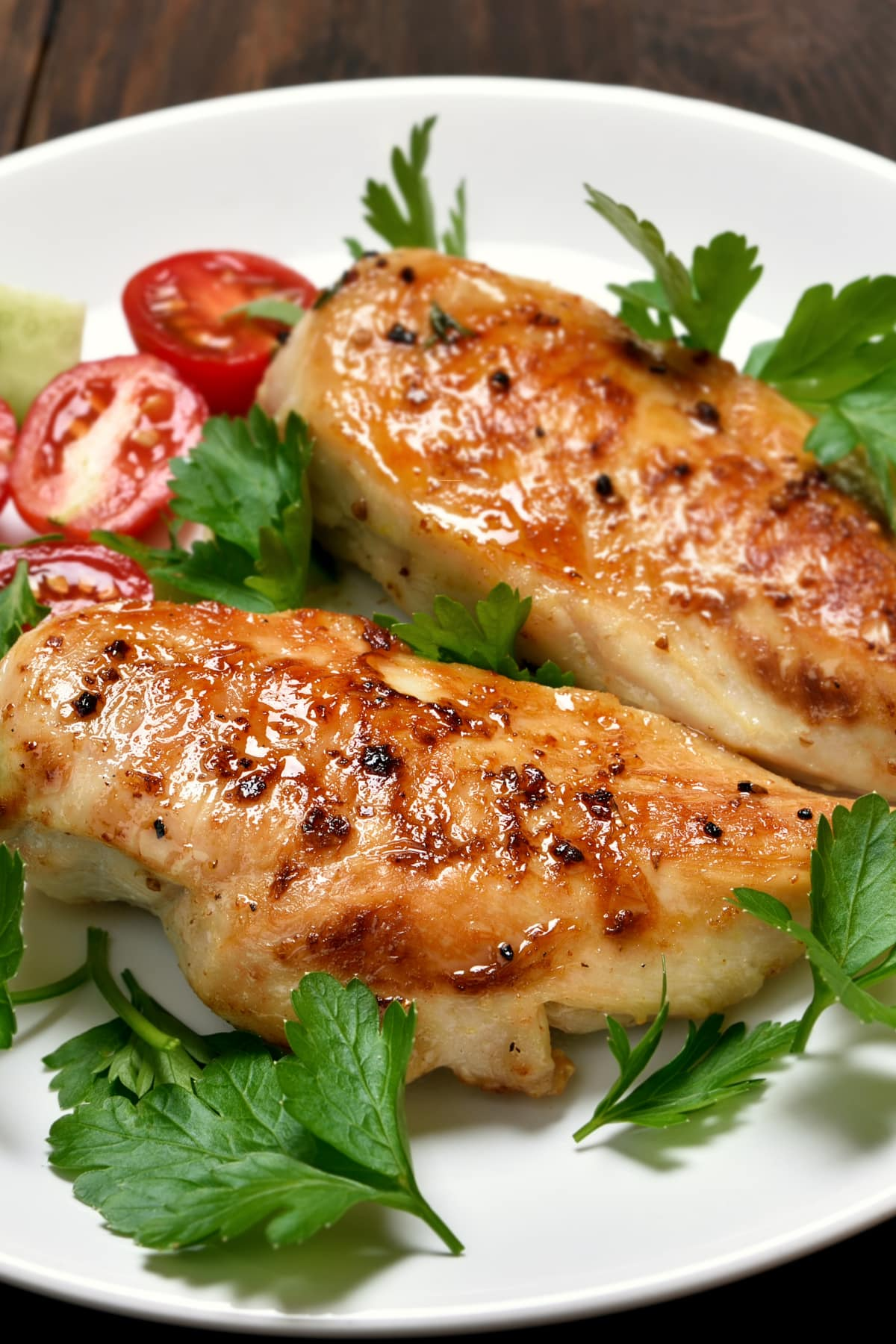 How to make a perfect baked chicken breast, juicy, full of flavor, with a delicious spice blend rub. Easy recipe for dinner