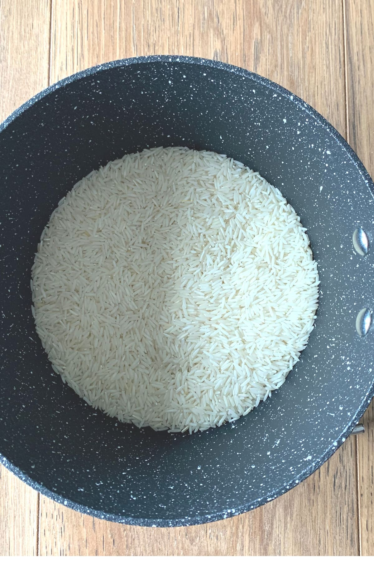 Rice in the pan